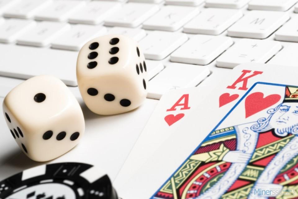online-casino-gambling-960x640